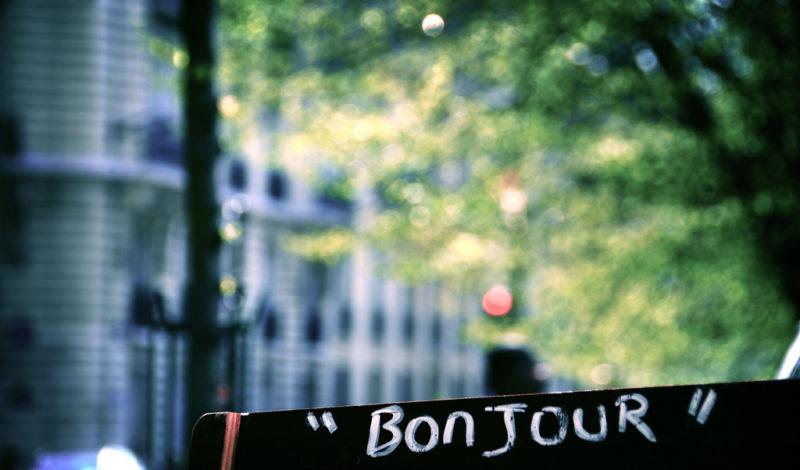 A língua francesa, frases e expressões úteis para sua viagem