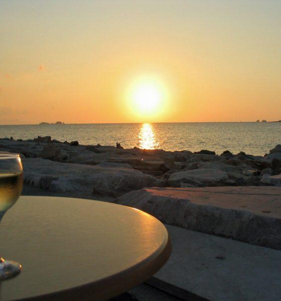 Conheça Saint-Malo: o destino dos vinhos submersos na França